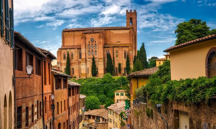 SIENA, PISA, SAN GIMIGNANO e FIRENZE, con volo da Cagliari, 4 giorni ITALIA dalla Sardegna